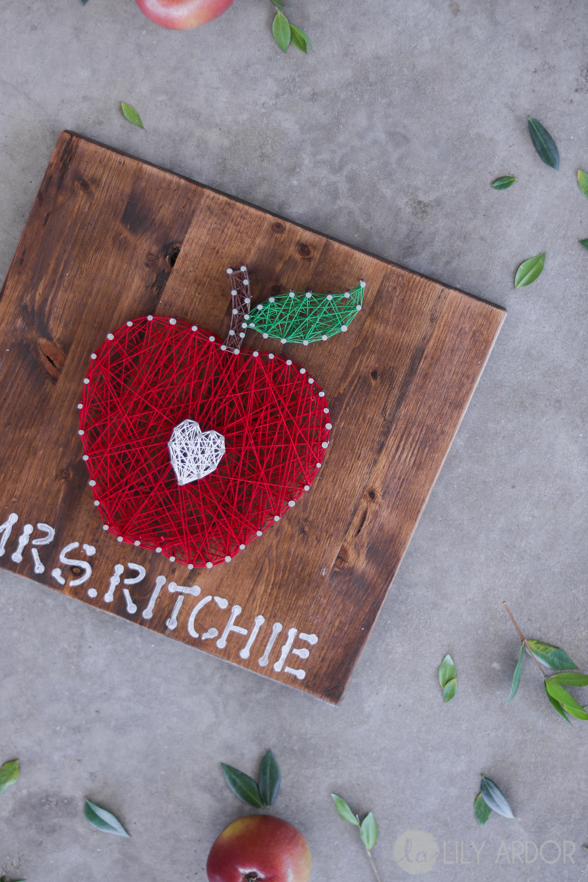 Teachers Gift ( DIY Apple) (WITH VIDEO)