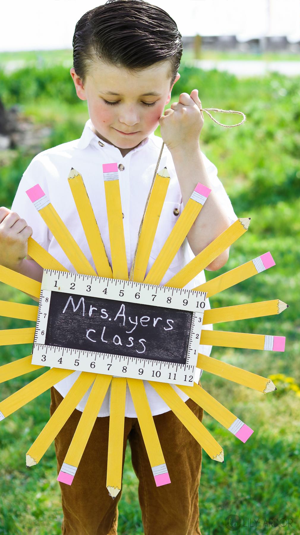 Teacher Gift Ideas | Pencil Wreath
