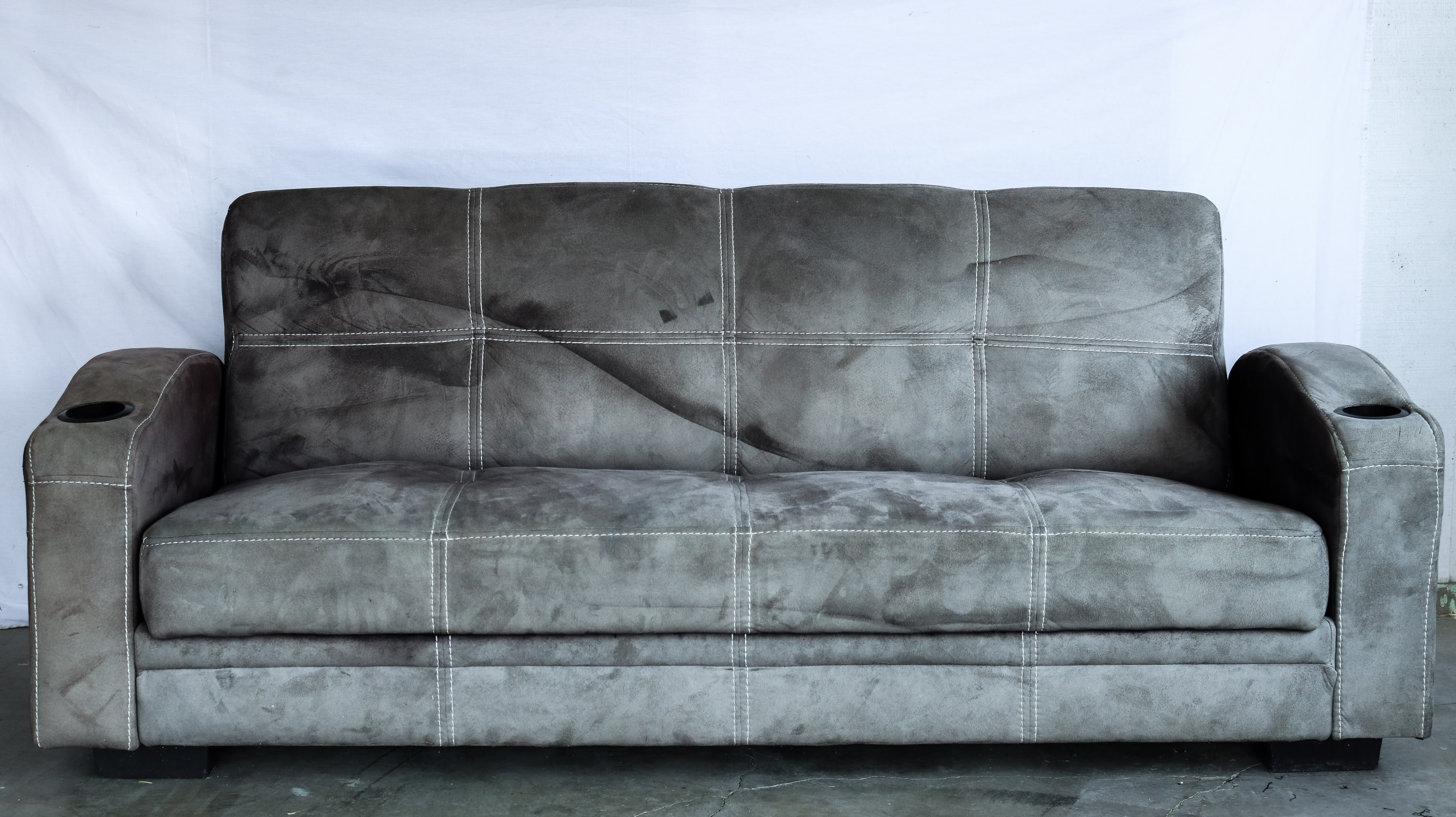 How to paint your microfiber couch to look like real leather ...