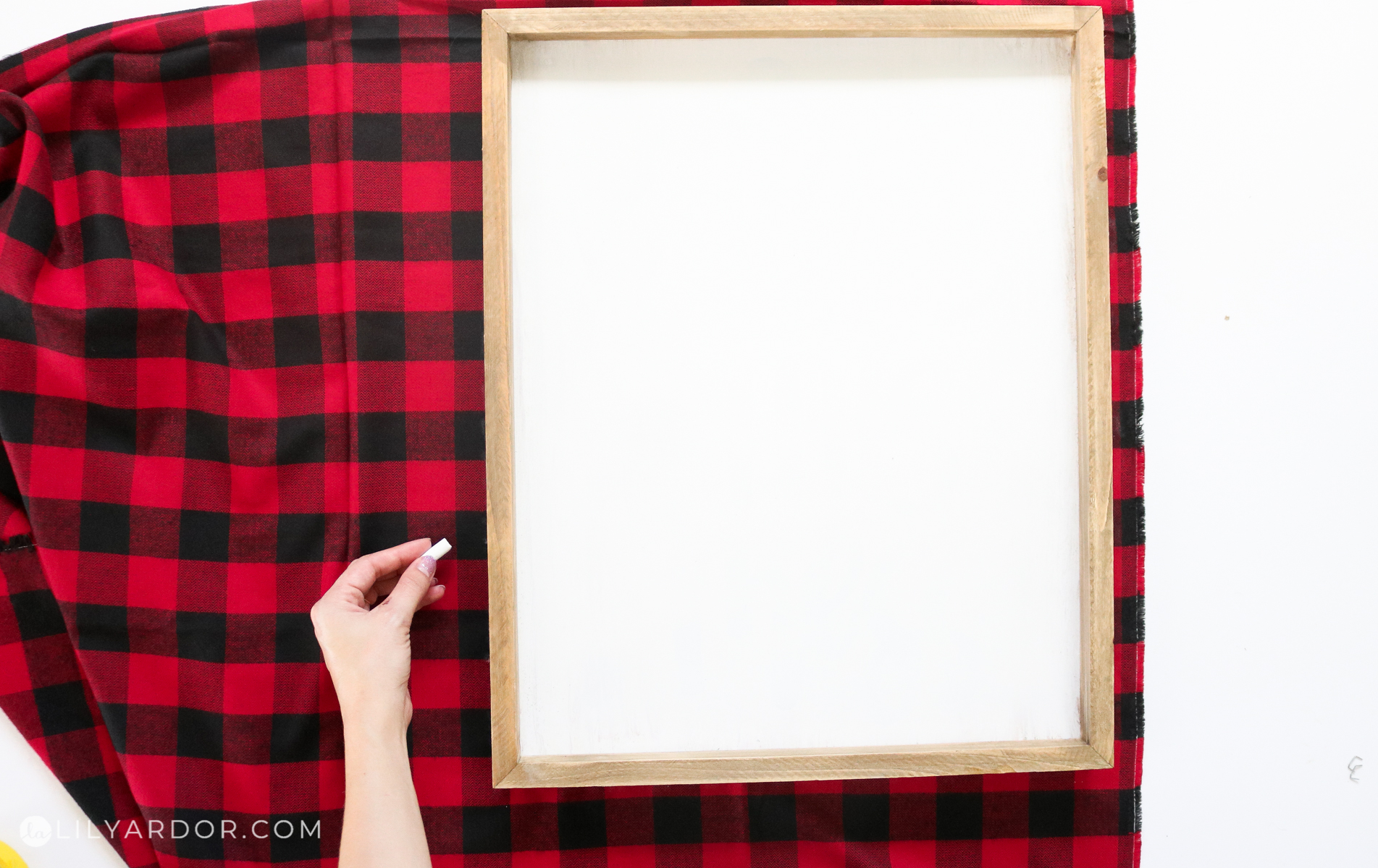 how to make a plaid sign