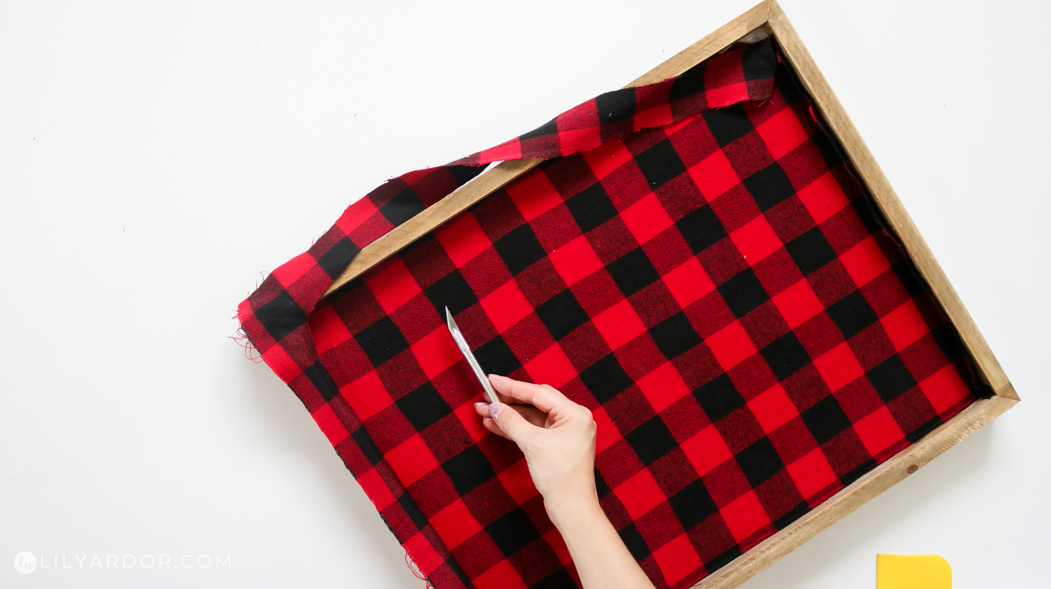 plaid sign using fabric