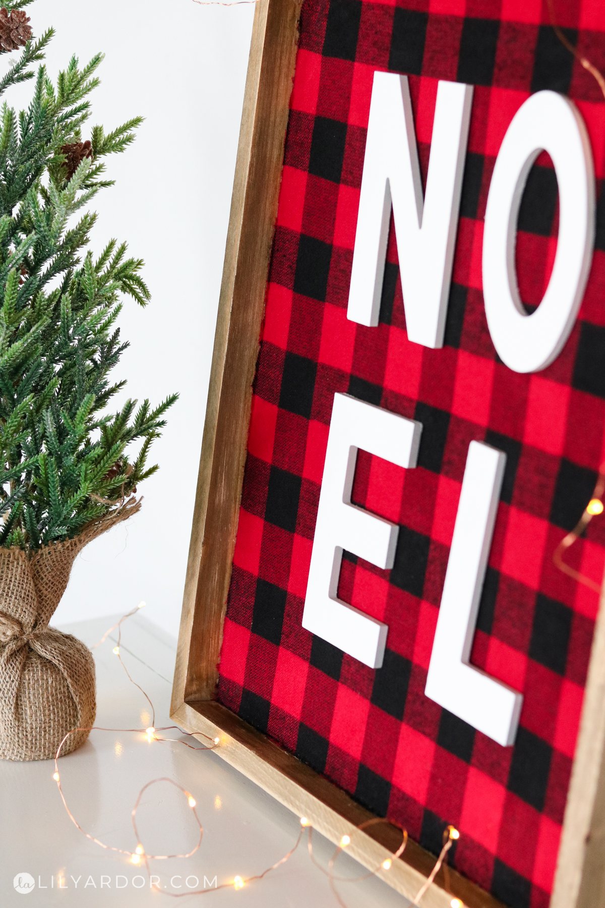 diy plaid sign christmas
