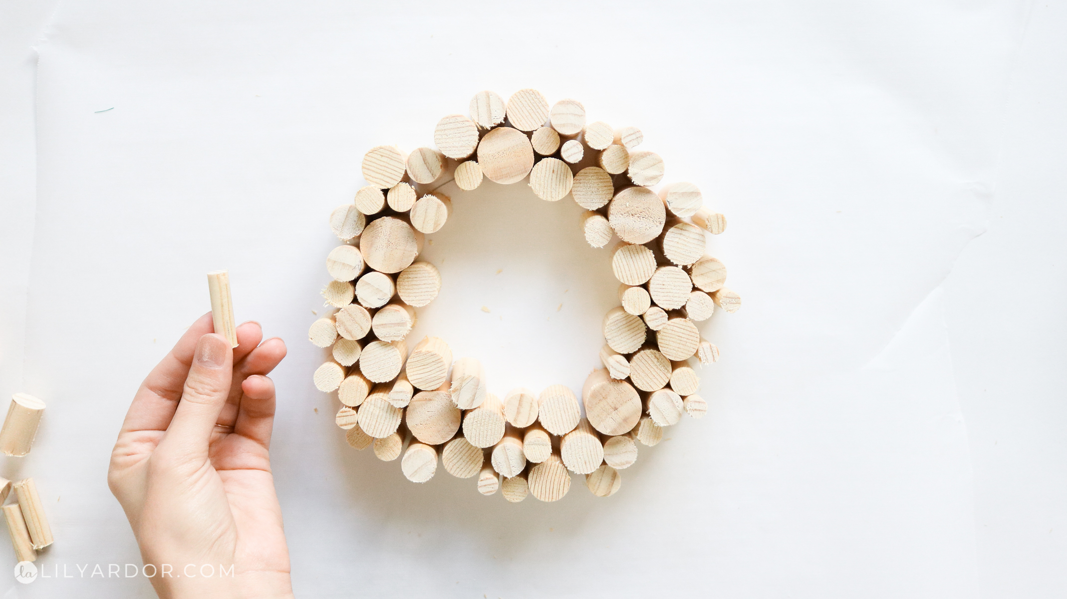 top view wood wreath for the candle holder