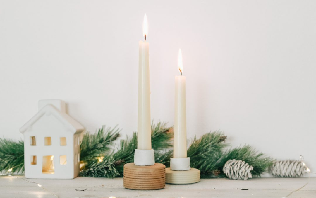 DIY Candle Holders With Sugru Modable Glue