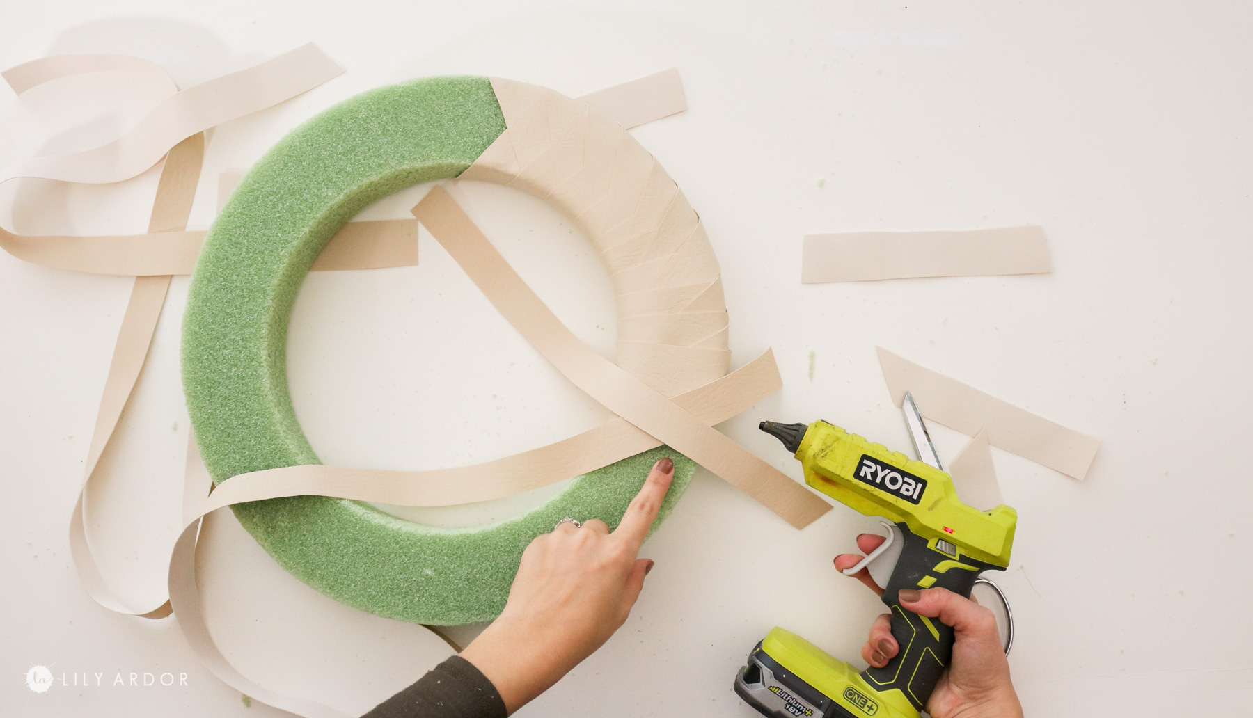 instructions for a nordic DIY wreath