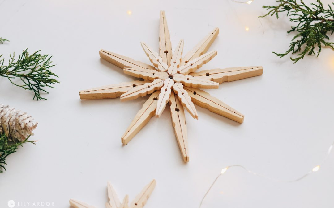 DIY Wood Stars From Clothespins