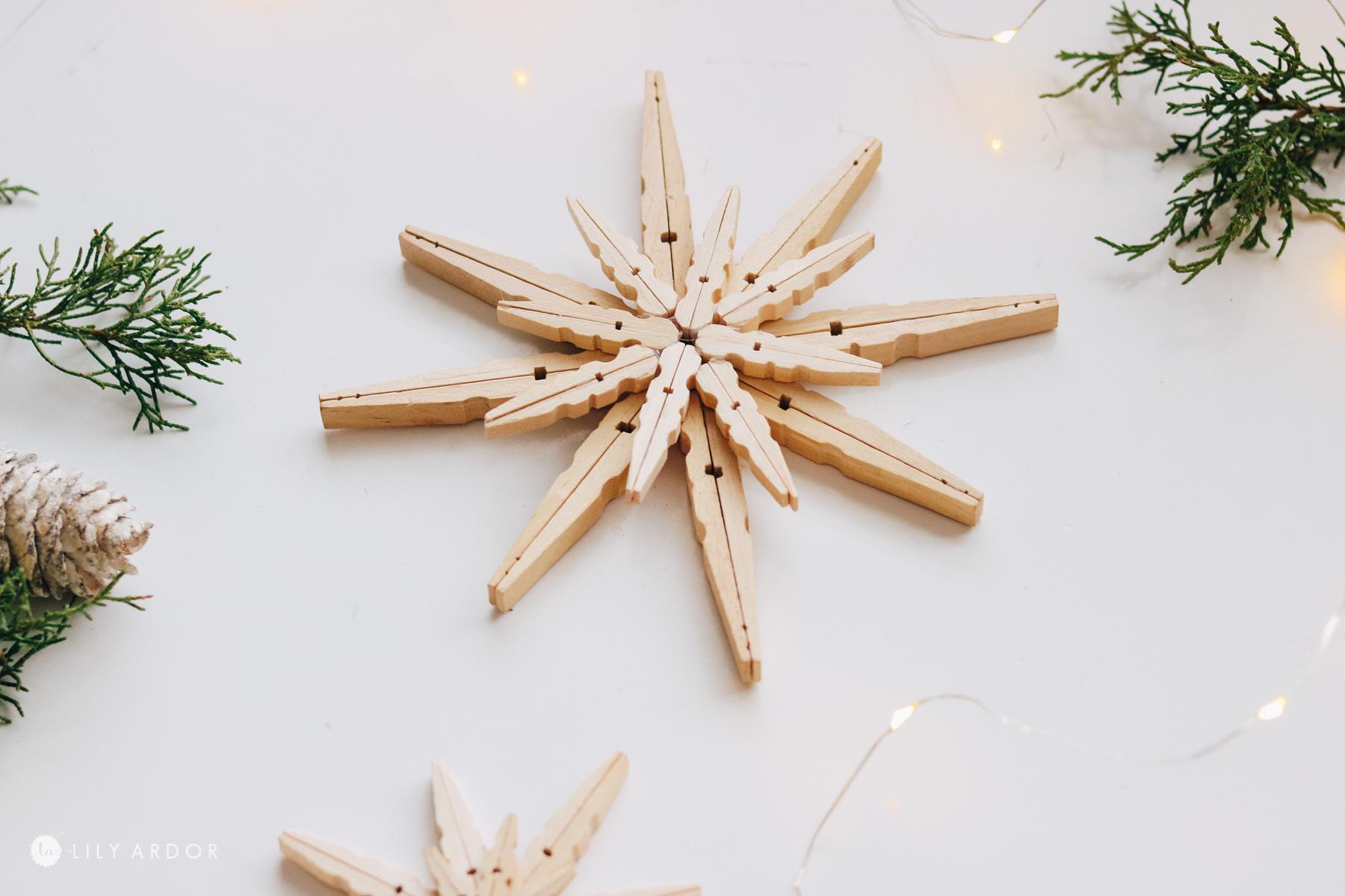 DIY clothespin stars